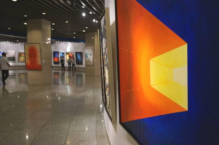 Silk journey to art-expo-spaceperspective